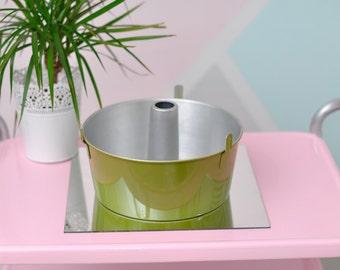 Green Angle Food Cake Pan Vintage