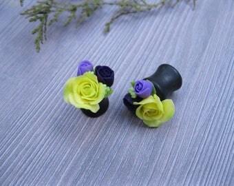 Flower ear plugs earrings Polymer clay plugs Floral ear gauges Wedding plugs Flower gauge earrings Plugs and tunnels Bridal gauge Rose plugs