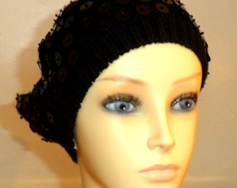 VINTAGE GLAMOUR HAT. Beret with black sequins.