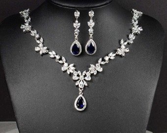Crystal Bridal Earrings Wedding earrings Bridal earrings, Bridesmaids gift,  Wedding Jewelry, Crystal Stud Earrings necklace set