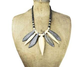 Wood Bead Bib Necklace, Wood Leaf Necklace, Wood Bead Necklace, Chunky Wood Necklace, Natural Wood Bead Necklace