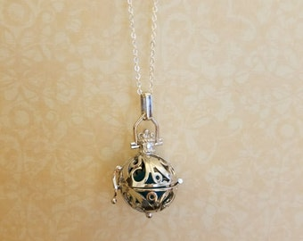 Diffuser Cage Locket with FREE essential oil sample