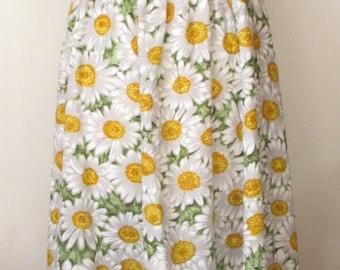 1970s Vintage Daisy Print Floral Maxi Dress - Criss Cross Spaghetti Straps