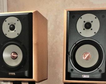 speakers very rare  vintage Jamo Concert 8 Bookshelf Speakers