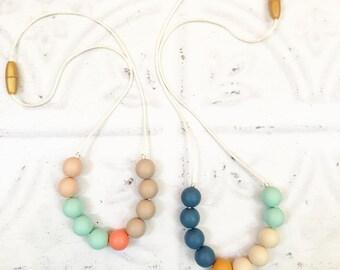 "Silicone Teething Necklace ""Poppy"", breastfeeding necklace, teething jewellery, pastel, for mum, nursing necklace, beads"