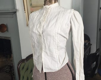 Vintage 1900's 1910's Edwardian cotton blouse with cuff and collar holes