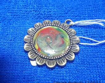 "Picturesque "" Bitter Green "" 20 mm Pendant"
