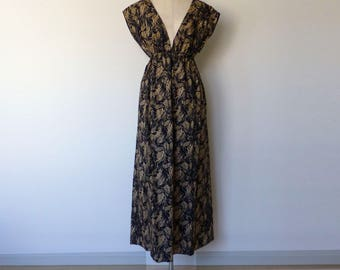 deep V-neck maxi dress / Resort pattern