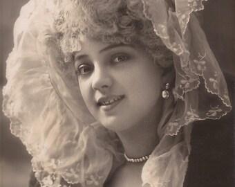 Arlette Dorgere, Famous Belle Epoque Theatre Stage Actress Beautiful Portrait in Lace… 1900s Original Antique French-German Photo Postcard