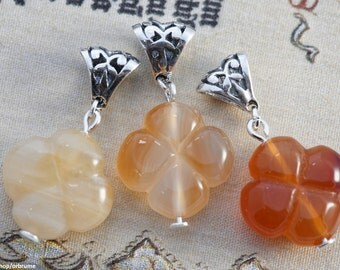 Medieval | Carnelian and Sterling Silver | Four-leaf clover / quaterfoil gemstone pendant
