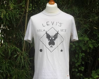 Vintage Levi's Short Sleeved T-Shirt - Size Large