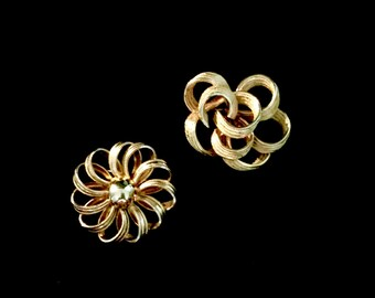 Set of Two 60's Gold Brooches          GJ2549