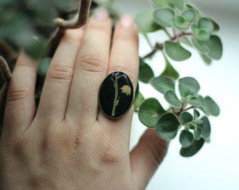 Nature ring with Real flowers, Resin ring jewelry, Pressed flower jewelry, Botanical ring, Statement ring, Lily-of-the-valley