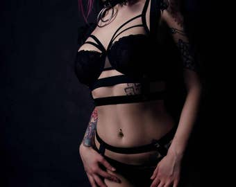 Harness set of harness and Suspender belt with pyramid studs and lace
