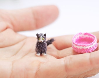 Miniature British shorthair cat , crochet cat, amigurumi tiny crochet cat, grey and white cat