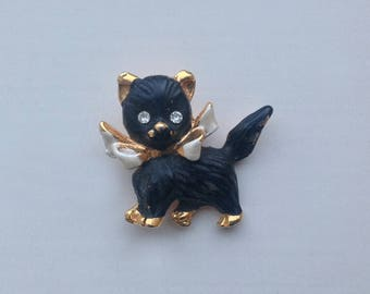 A Vintage 1950s charming little Cat Brooch/Pin
