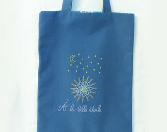 "Tote bag hand embroidered ""Under the stars"" - grandiflorus grandiflorus - Queen of the night"