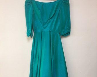 Green taffeta vintage 1950's DRESS