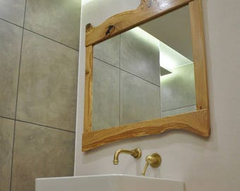 Mirror with natural rustic design