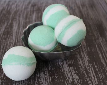 White Tea and Ginger Bath Bomb, Bath Bomb, White Tea, Ginger