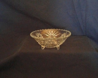 Vintage Anchor Hocking Prescut 3-Toed Bowl