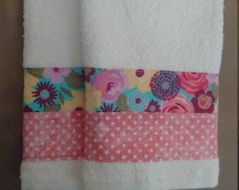 2 Multi Color Floral Hand Towels