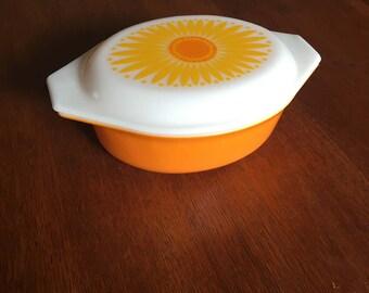 Vintage Pyrex Orange/Yellow Sunflower 1.5 qt  Casserole Dish with Lid