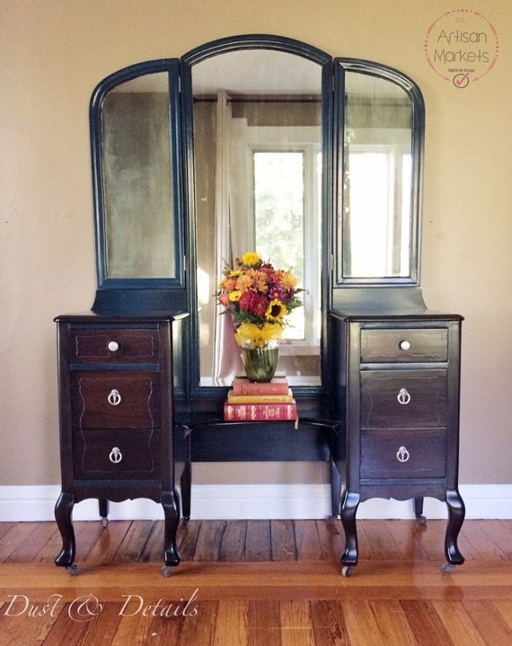 Large Antique Vanity With 3 Way Mirror
