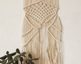 Macrame wall in cotton thread