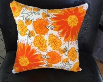 Vintage  '70s Vera Neumann Linen Pillow