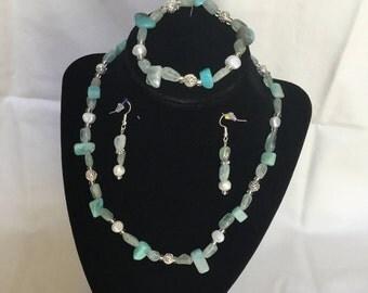 39: Necklace, Bracelet, Earrings Set