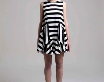 Wide Stripe Flared Shift Dress