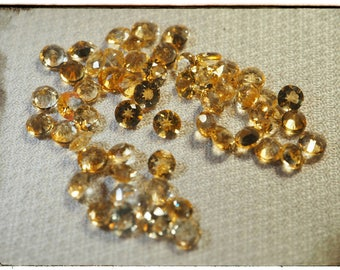 Set of small citrines of Brazil for ornament