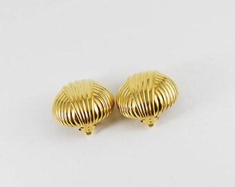 Vintage Earrings, Ciner, Clip On Earrings, Signed, Gold Earrings, Retro, 90s Fashion, Designer Earrings, 90s Earrings, Costume Jewelry