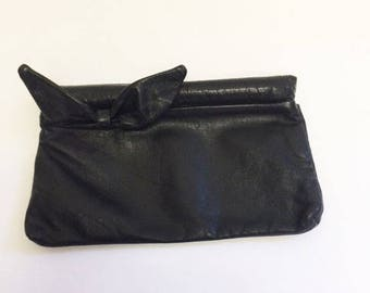 BLACK LEATHER BOW Clutch - S