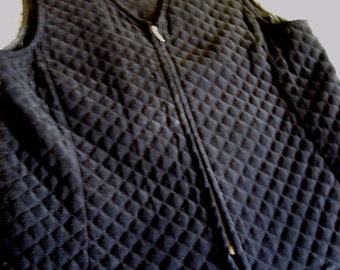 REQUIREMENTS Quilted Black Velvet Vest with Zipper Size Small