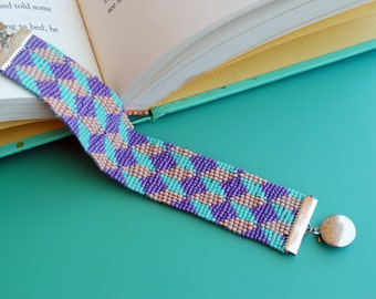 Tumbling Illusion Blocks Loomed Bracelet