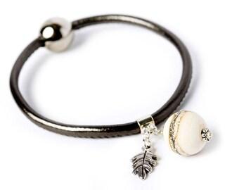 VELVET leather bracelet - ivory lampwork glass bead