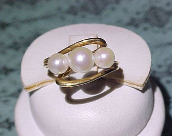 Vintage Mid Century Large Three Pearl Ring 14k Gold