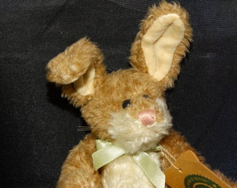 """Boyds Bear Bunny Rabbit, Easter Basket Rabbit, Bow, Wind Up Music """"I only have eyes for you"""" Hare, Bunny, Peter Cotton Tail, Floppy Ears"""