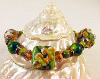 Green and Gold Lampwork Stretch Bracelet
