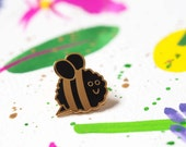 Bee Pin Badge, Bee Happy, Happy Bee, Enamel Pin Badge, Mothers day Gift, Gift for Gardener, Pins, Lapel Pin