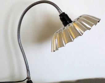 Grandiflora Sasquatch gooseneck desk lamp