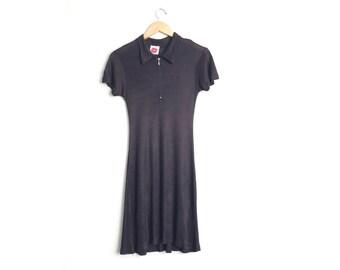 Size XXS // STRETCHY SHIRTDRESS // Half-Zip - Short Sleeve - Black - Minimalist - Goth - Vintage '90s.