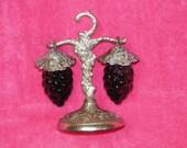 Vintage 1960's Purple Hanging Grapes on Vine Salt & Pepper Shaker Set