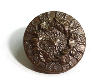 Antique Victorian Button Floral Wreath - Vintage 1880s Gold Metal for Jewelry Supplies Beads Sewing Knitting Steampunk