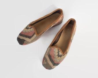 Vintage 80s Boho KILIM FLATS / 1980s Brown & Tan Turkish Wool Slip On Shoes 6 1/2