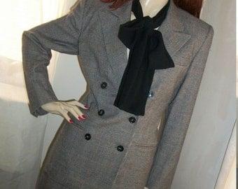 1940s Style Vintage Wool Gloria Vanderbilt Suit Size 8  Med U.S.A. Houndstooth Lauren Bacall