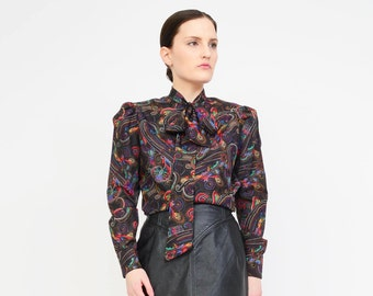 Vintage 70s Secretary Blouse - Black Paisley Print - Ascot Bow Neck Tie - Boho Button Up Puff Sleeve Shirt Small XS S