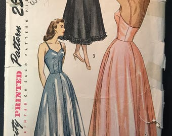 Simplicity 1948 Misses' Slip & Petticoat Pattern # 2423 - Daytime or Evening Lengths - Size 16, Bust 34